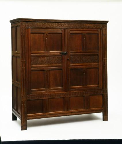 Шкаф для одежды. Англия, дуб, резьба, 1590