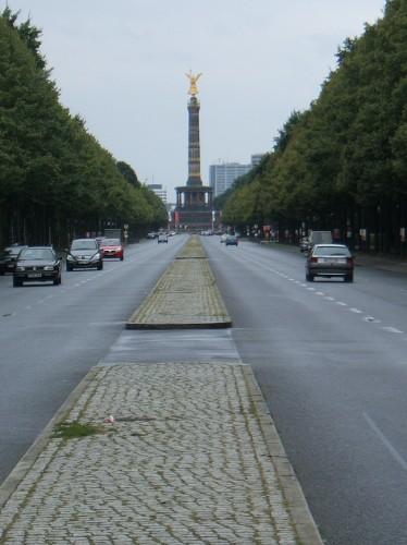 Улица 17 июня в Берлине