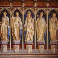 Свидетельницы как королевских церемоний, так и обычных прохаживающихся туристов