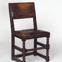 Такой мебелью могла быть обставлена любая комната знатного горожанина в XVII веке в Англии.